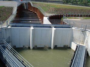 Bassin de dissipation de Gambsheim et ses trois entrées.